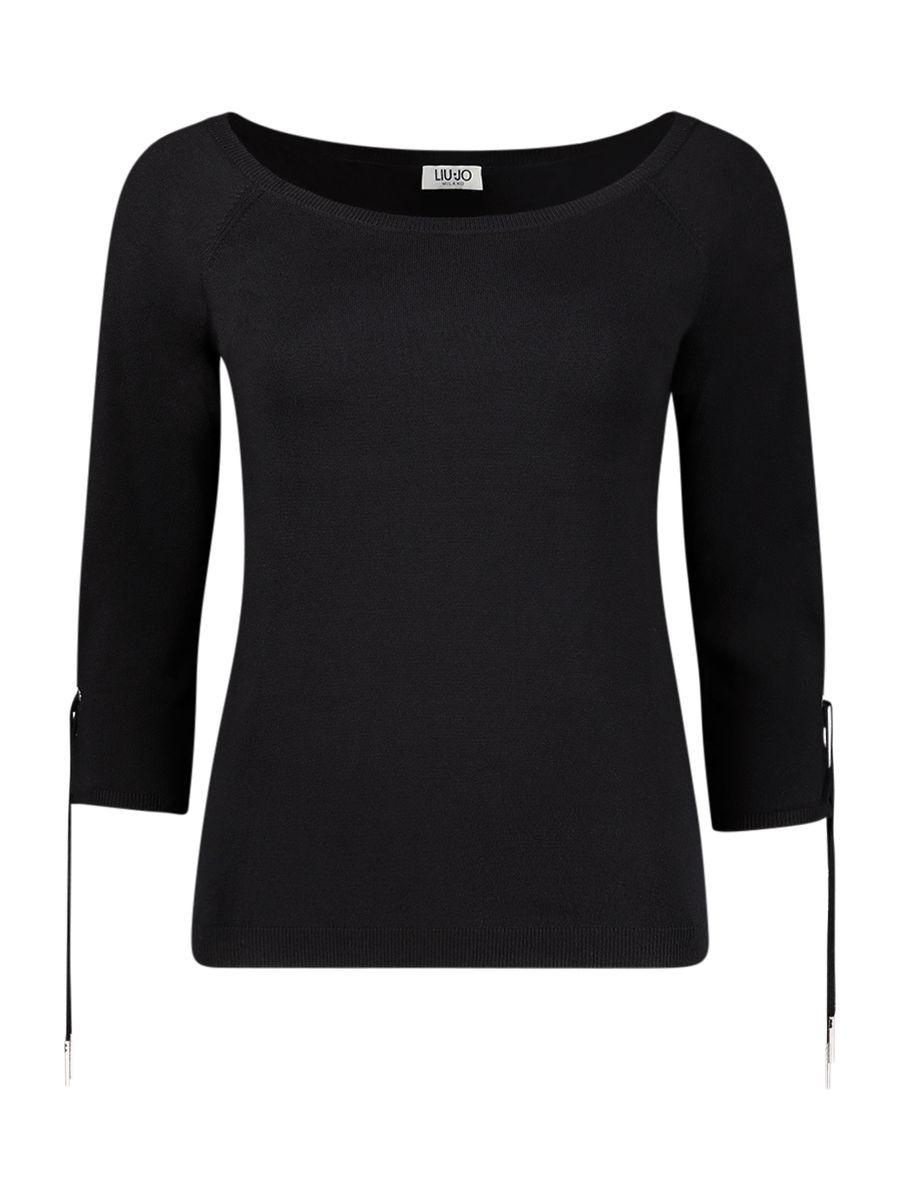 Classy basic blouse