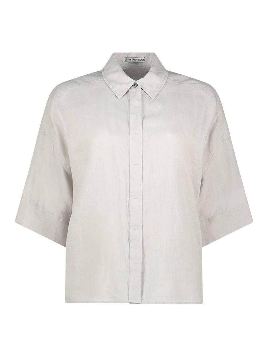 Loose fit spread collar shirt