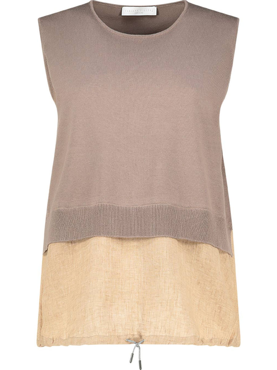 Neutral loose fit sleeveless blouse
