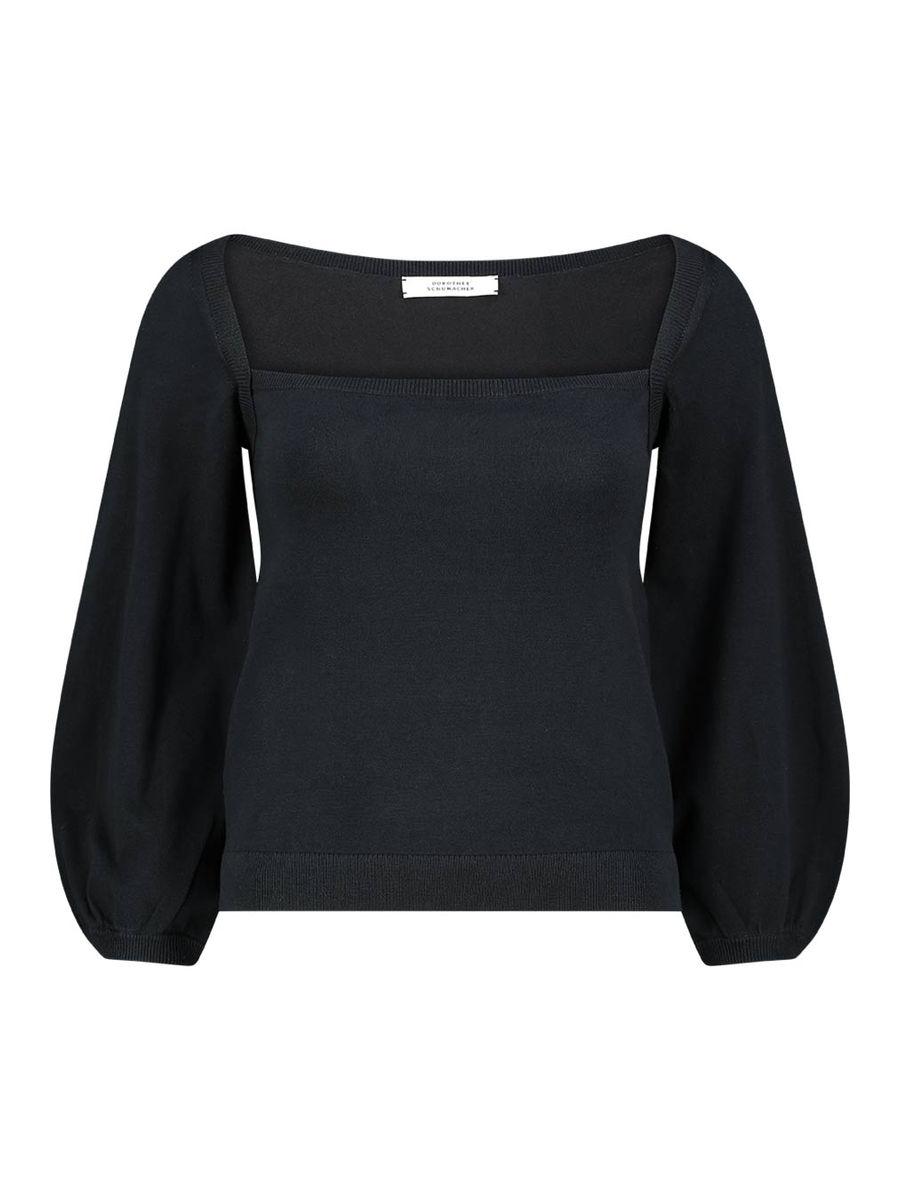 Square neckline jumper