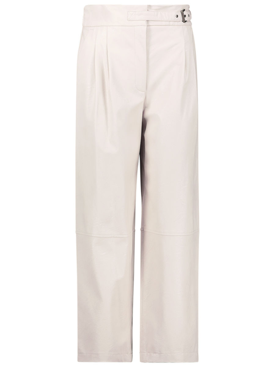 Relaxed modern trousers